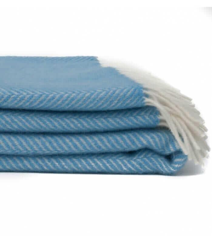 plaid laine chevrons bleu ciel plaid addict vente en ligne de plaids tweed mill. Black Bedroom Furniture Sets. Home Design Ideas