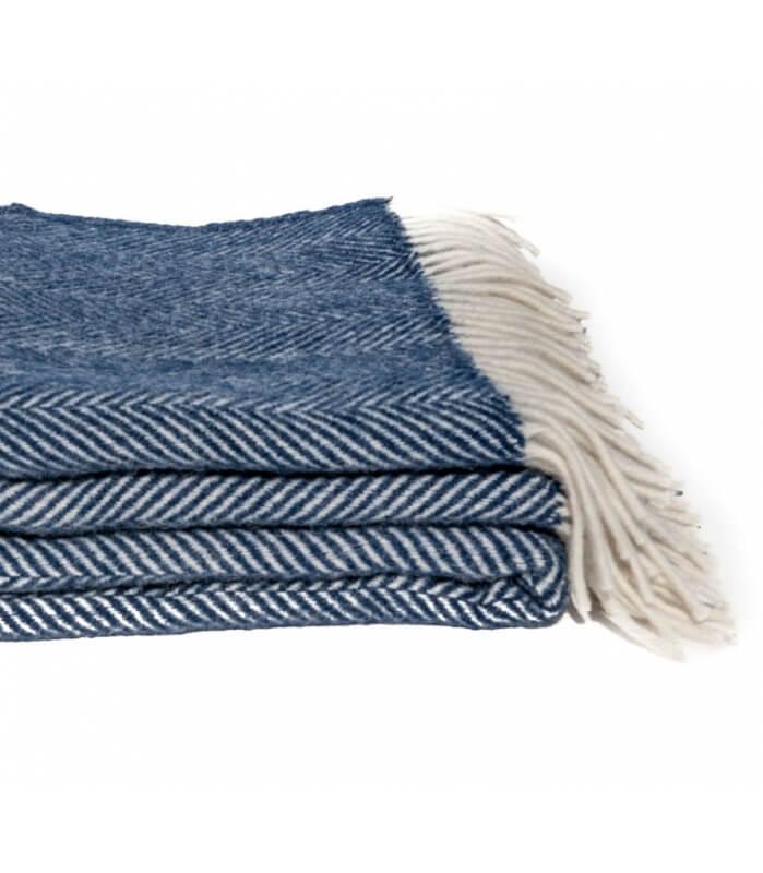 plaid laine chevrons marine plaid addict vente en ligne de plaids pure laine. Black Bedroom Furniture Sets. Home Design Ideas