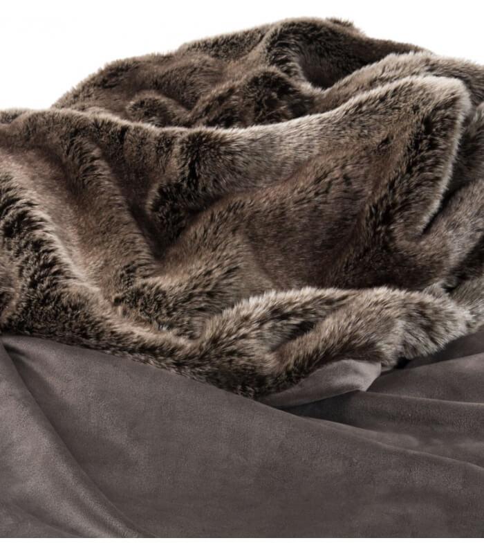 couvre lit fausse fourrure luxe ours brun 240 x 260 cm plaid addict vente en ligne de 10. Black Bedroom Furniture Sets. Home Design Ideas