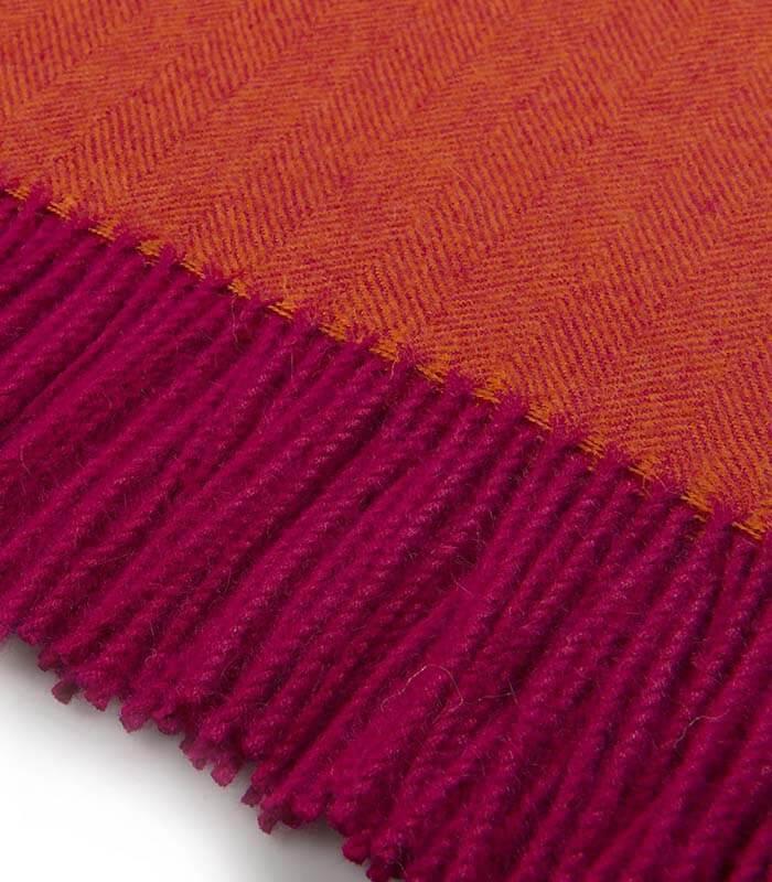 plaid laine alpaga luxe chevrons orange et violet plaid addict vente en ligne de 100 200. Black Bedroom Furniture Sets. Home Design Ideas