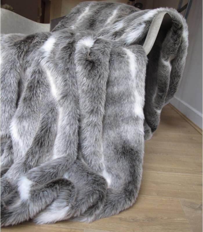 Plaid fausse fourrure meg ve gris taupe 140x200cm plaid addict vente en li - Grand plaid fausse fourrure ...
