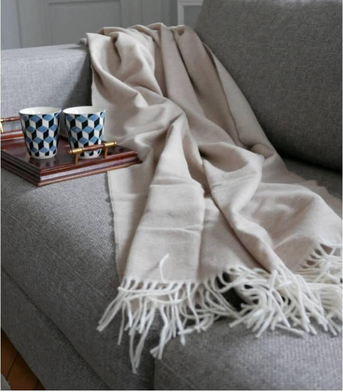 plaid cachemire et laine beige plaid addict vente en ligne de plaids beiges. Black Bedroom Furniture Sets. Home Design Ideas