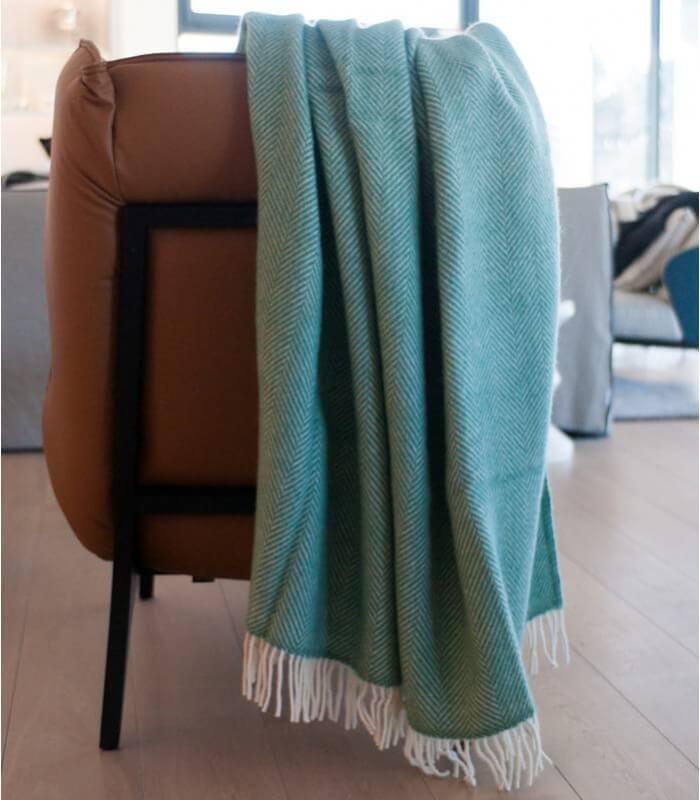 plaid laine chevrons vert spring plaid addict vente en ligne de plaids pure laine. Black Bedroom Furniture Sets. Home Design Ideas