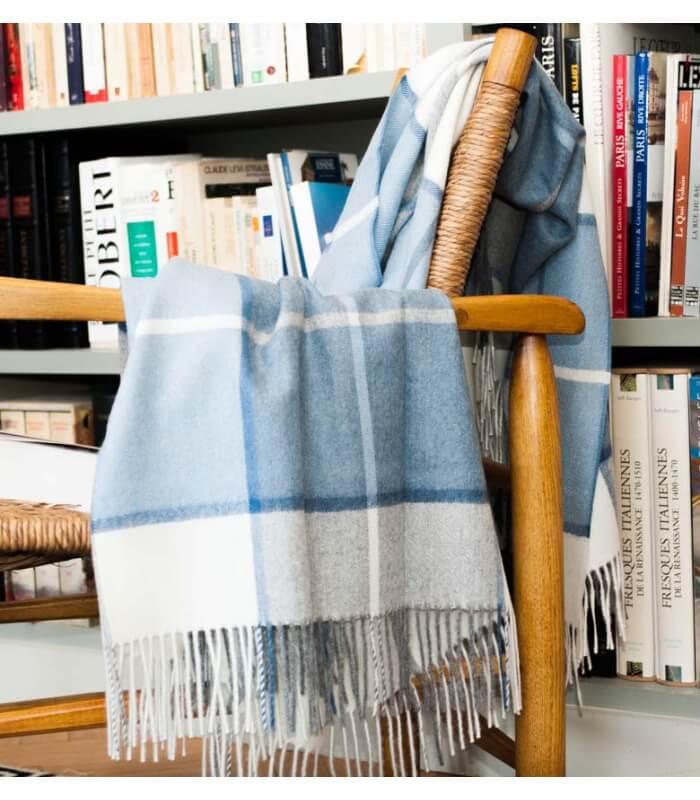 plaid laine alpaga luxe hacienda bleu plaid addict vente en ligne de plaids casa paola. Black Bedroom Furniture Sets. Home Design Ideas