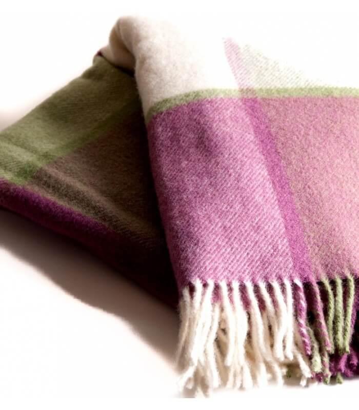 Plaid laine carreaux framboise plaid addict vente en - Plaid en laine tricotee ...
