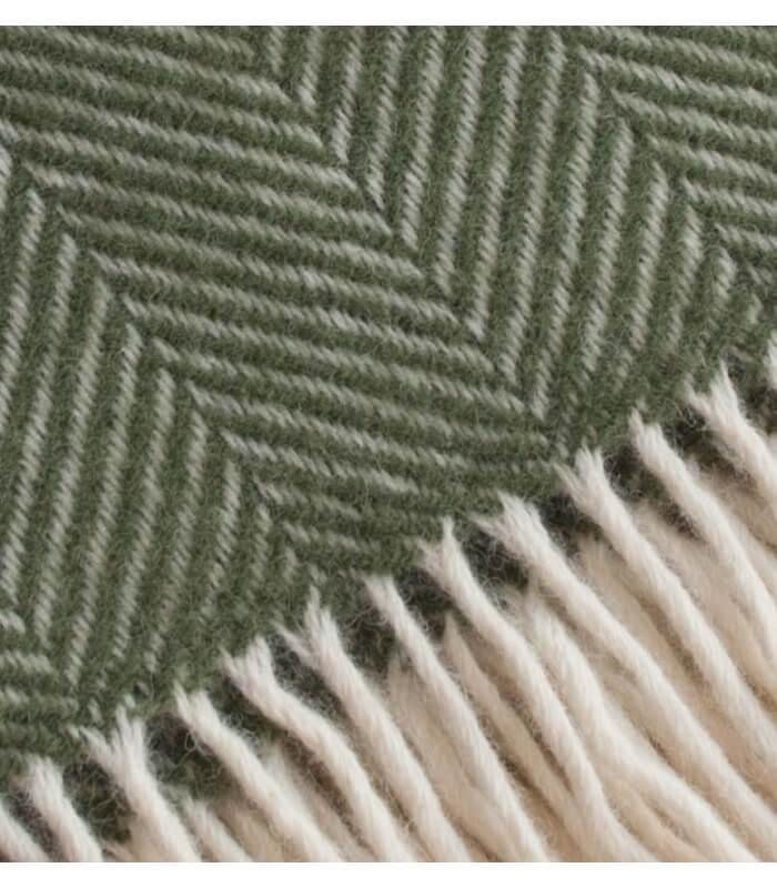 Plaid laine chevrons vert olive   Plaid Addict, vente en ligne de ... 01bf85d626f