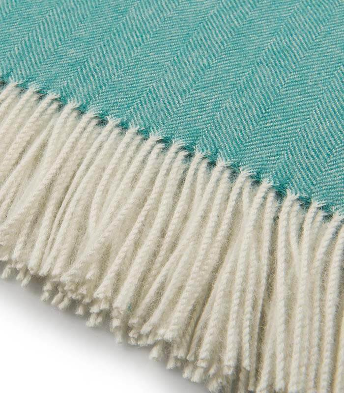 plaid laine alpaga luxe chevrons vert plaid addict vente en ligne de plaids casa paola. Black Bedroom Furniture Sets. Home Design Ideas