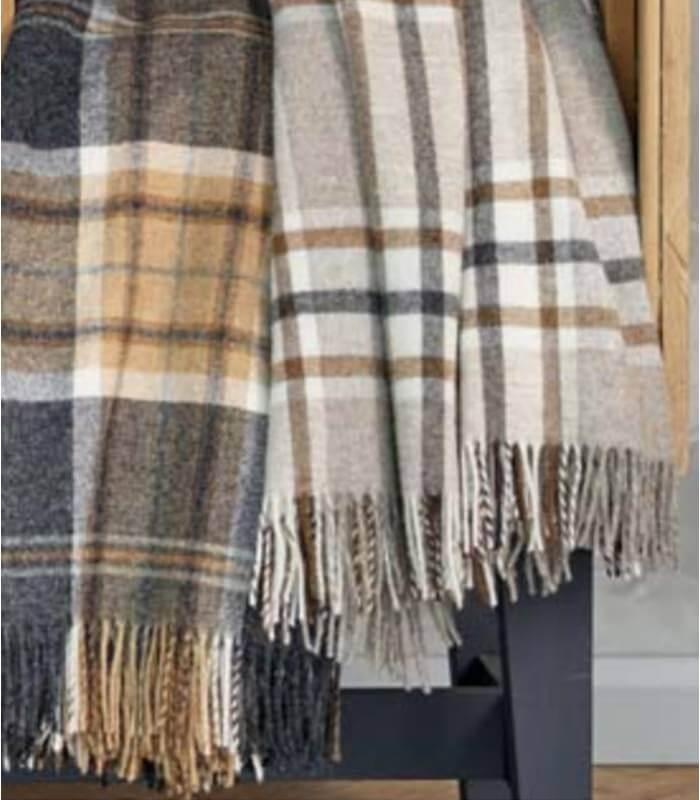 plaid pure laine cossais gris et beige arncliffe plaid addict vente en ligne de plaids b at home. Black Bedroom Furniture Sets. Home Design Ideas