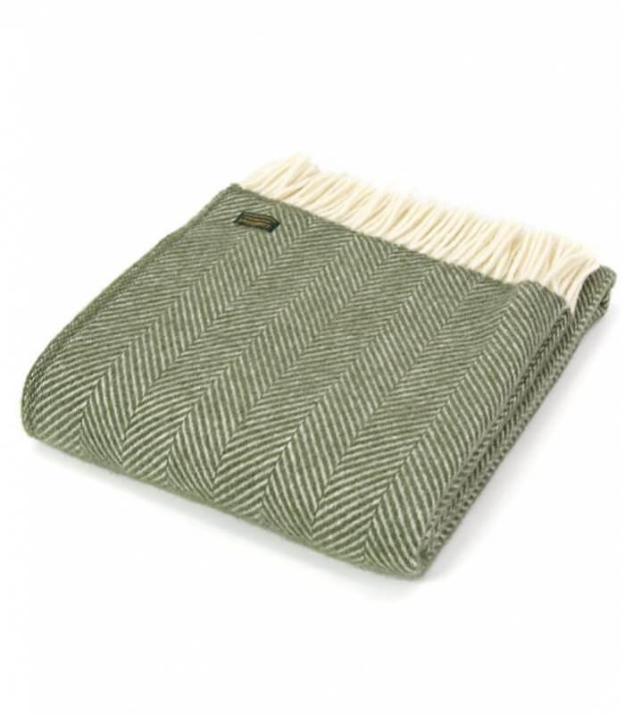 plaid laine chevrons vert olive plaid addict vente en ligne de plaids verts. Black Bedroom Furniture Sets. Home Design Ideas