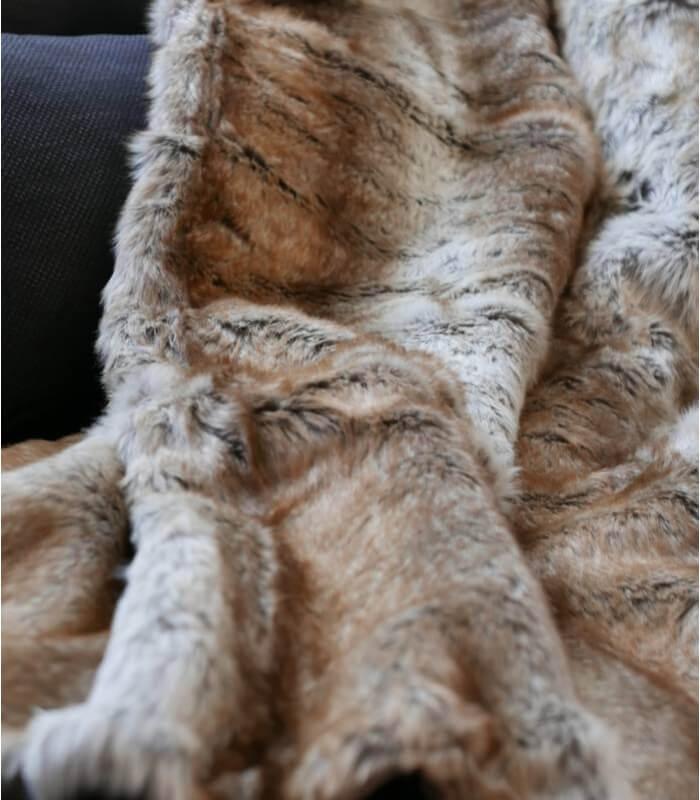 plaid fausse fourrure renard 150 x 170 cm plaid addict vente en ligne de montagne