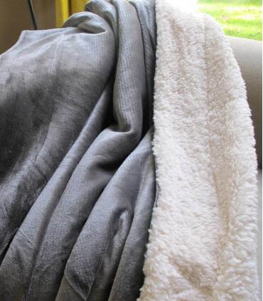 Plaid Effet Mouton Gris 130 X 170 cm
