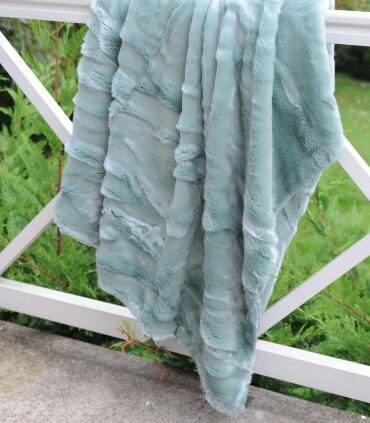 Plaid Fausse Fourrure Vert Céladon 150X170cm