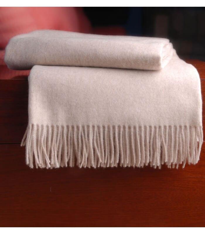 plaid cachemire himalaya beige plaid addict vente en ligne de plaids beiges. Black Bedroom Furniture Sets. Home Design Ideas